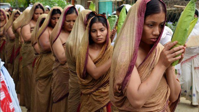индийские женщины после присяги