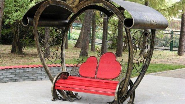 скамейка для влюблённых
