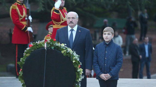 Лукашенко едет в Москву
