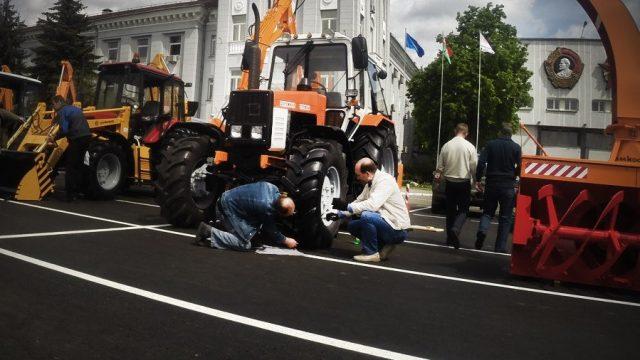 Покраска тракторов