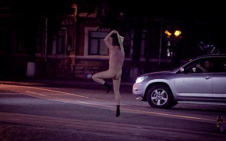 По Светлогорску прогуливался голый мужчина