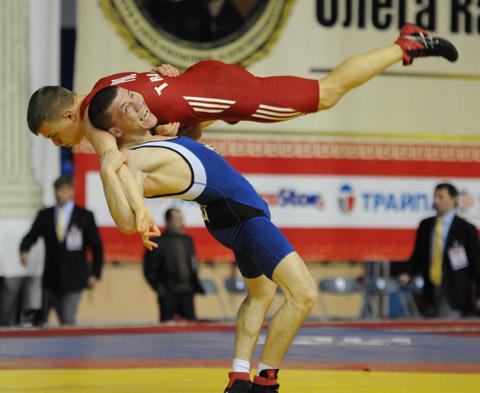 Белорусский борец вышел в финал Евроигр
