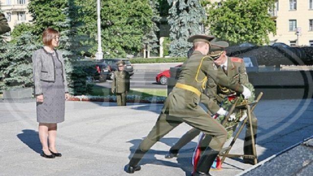 Гойкевич  возложила венок к монументу Победы в Минске