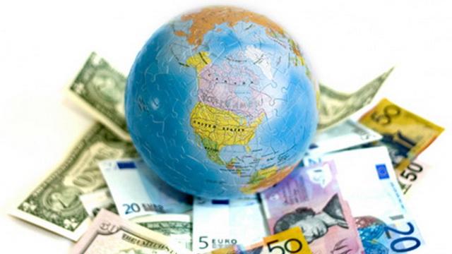 Белорусы получают деньги из за рубежа в два раза больше, чем отправляют