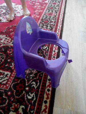В Минске 2-летний ребенок застрял головой в стуле