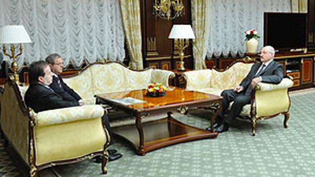 """Лукашенко - Строительство """"Минск-Мир"""" ни в коем случае нельзя застопорить"""