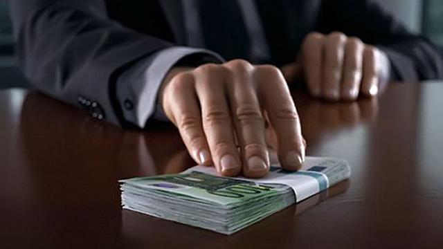 """Начальник """"Авиации"""" МЧС задержан за получение взятки"""