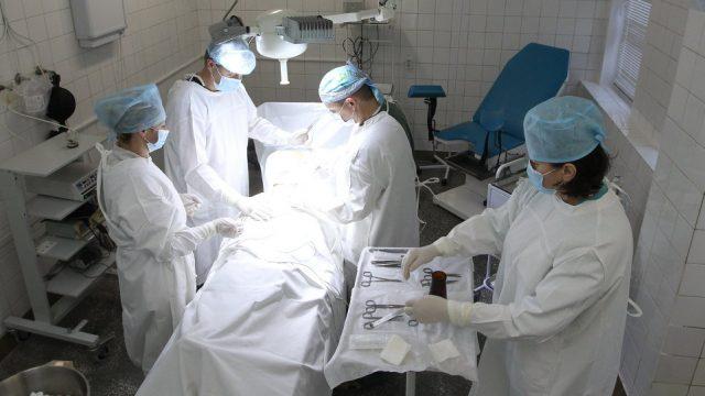 Детские хирурги