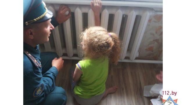 В Слуцке ребенок застрял рукой в радиаторе