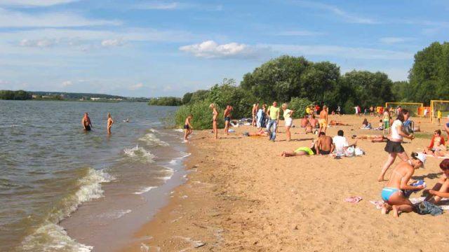 В Брестской запретили купаться в трех зонах отдыха