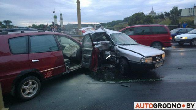 Две крупные аварии произошли на мосту в Гродно