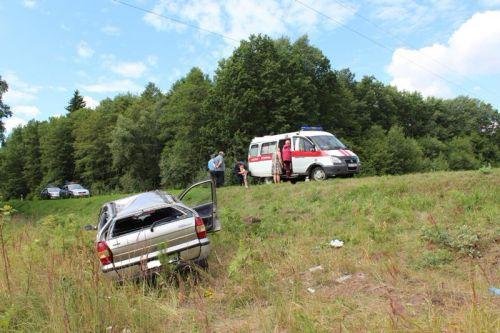 Под Гродно перевернулся автомобиль с четырьмя маленькими детьми
