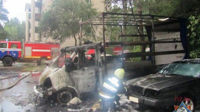 Утром на стоянке в Пышках горели четыре машины