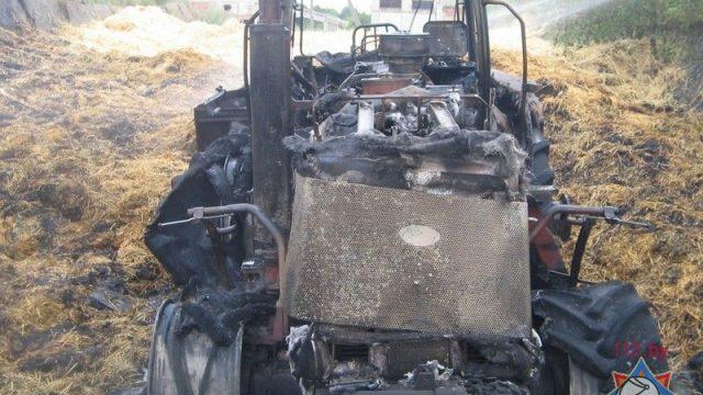 В Лоевском районе горел трактор