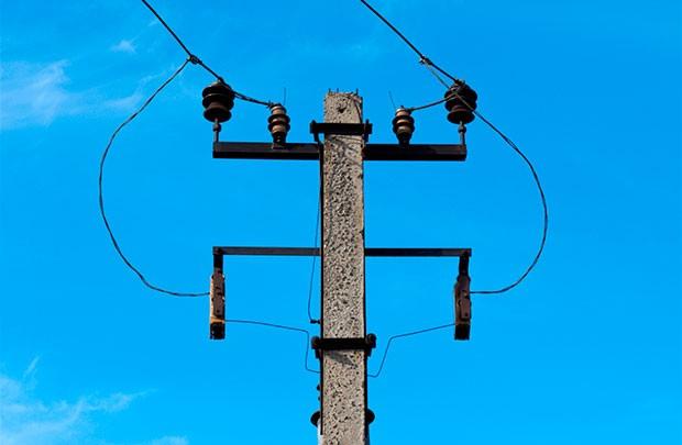 В Ветке погиб электромонтер - на мужчину рухнула опора
