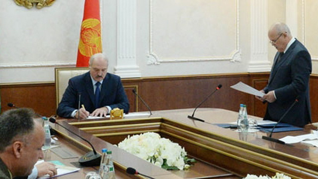 """Лукашенко в сентябре посетит ОАО """"Камволь"""" с целью контроля модернизации предприятия"""