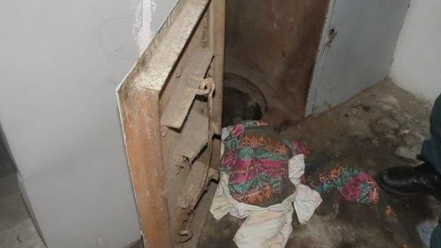 В Минске спасатели извлекли мужчину из мусоропровода