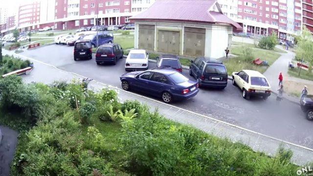 В Минске во дворе жилого дома совершён наезд на ребёнка