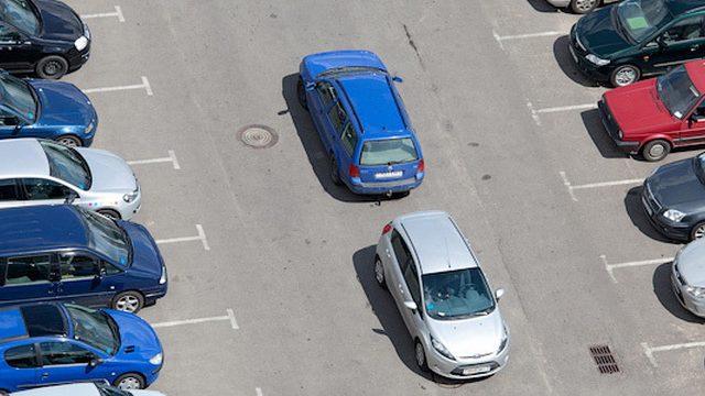 До конца 2015 года в Минске создадут 1260 парковочных мест