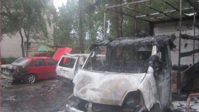 В Гродненском районе сгорели 4 автомобиля