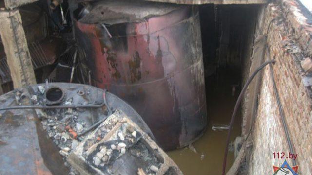В Берёзовском районе молния попала в склад спиртзавода