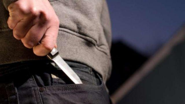Гродненец приставил нож к горлу судебного исполнителя за большие алименты