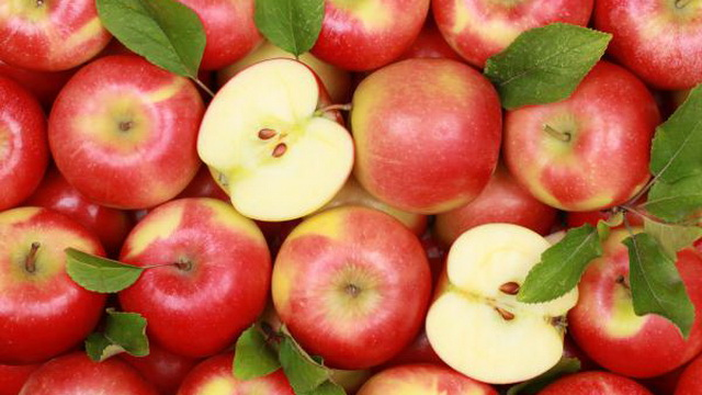За незаконную торговлю яблоками предпринимателя из Гродно обязали заплатить 8 млрд. рублей