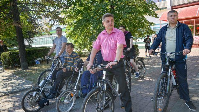 мэр Бобруйска на велосипеде