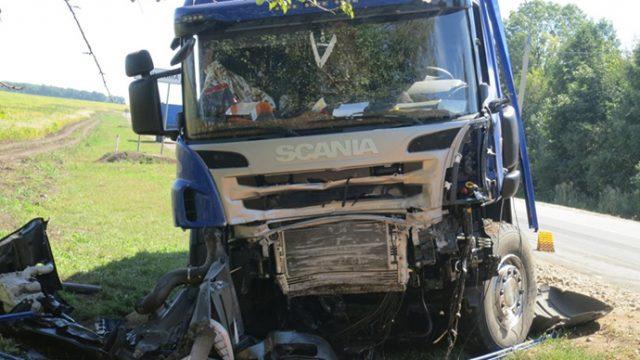 4 белоруса погибли в России в результате столкновения с фурой