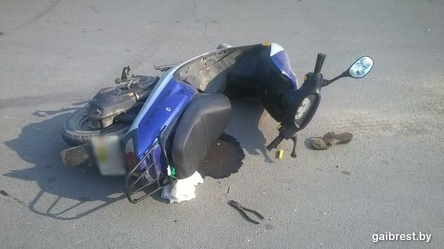 В Столинском районе пенсионерка на скутере попала в ДТП
