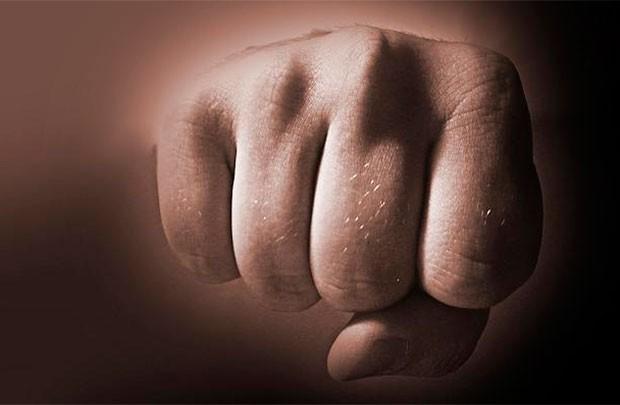Житель Светлогорского района избил сотрудника милиции