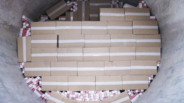 Литовец попытался незаконно ввезти в Беларусь 149,5 тыс. пачек сигарет