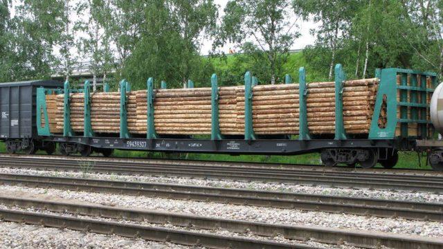 Брестские таможенники изъяли крупную партию контрабандных сигарет из вагона грузового поезда