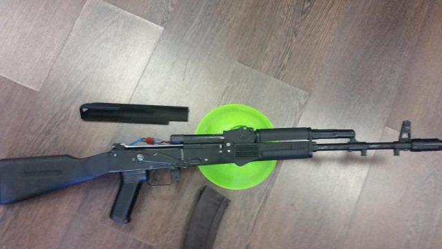 В Минске 15-летний школьник промышлял кражами в страйкбольном клубе