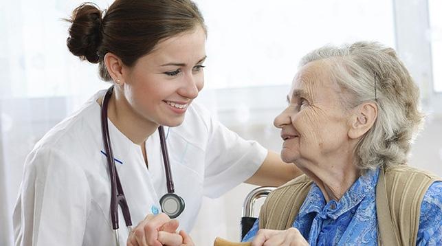 Пенсионеры у врачей