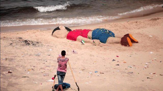скульптур утонувшего сирийского мальчика