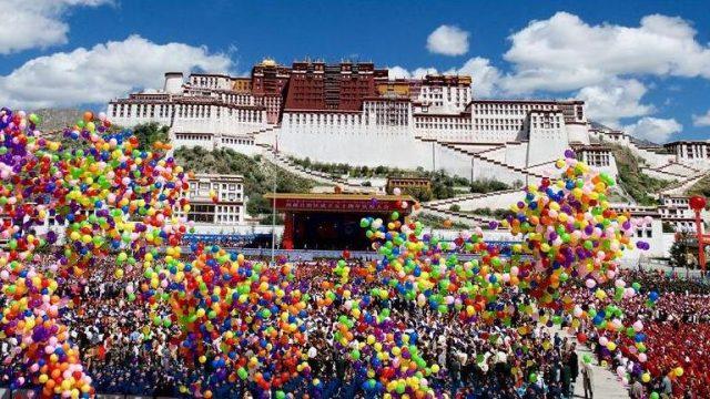 праздник в Тибете