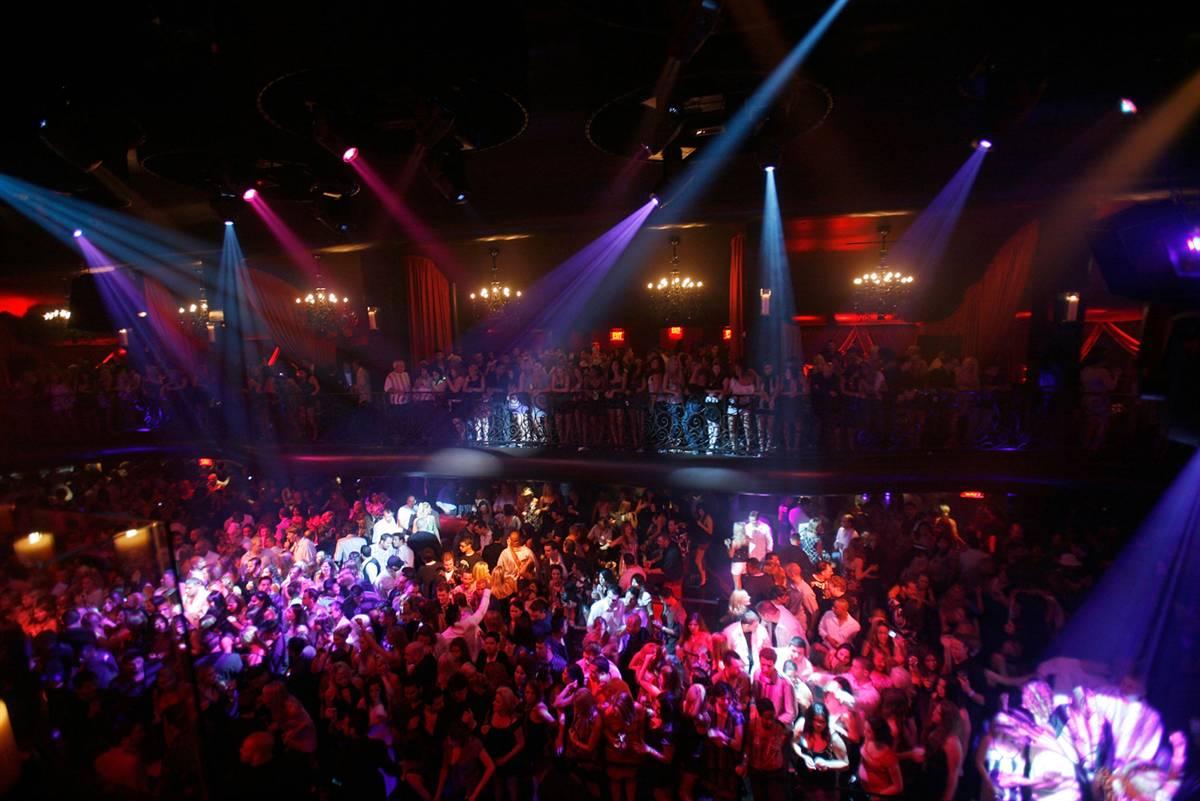 Смотреть онлайн что происходит в ночных клубах 13 фотография