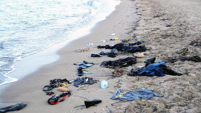 вещи утонувших беженцев