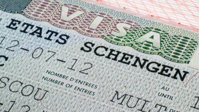 С 16 сентября в визовых центрах можно будет рассчитываться только белорусскими рублями