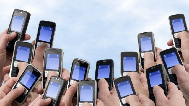 За месяц белорусы в среднем названивают 188 минут и отправляют 9 СМС