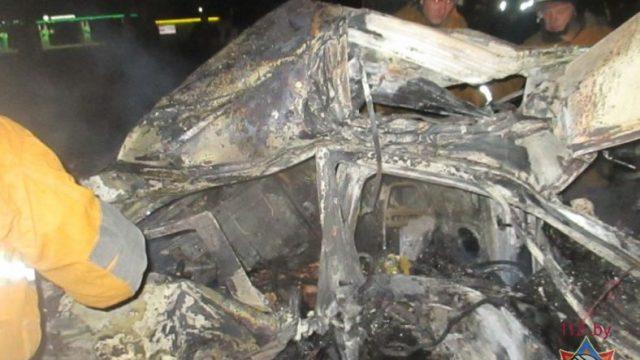 В Могилёве в ДТП заживо сгорело 3 человека