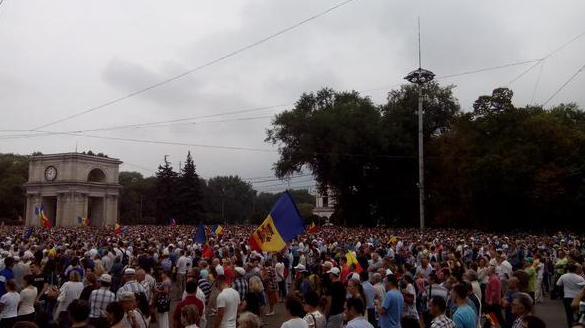 В Кишинёве прошёл многотысячный антиправительственный митинг