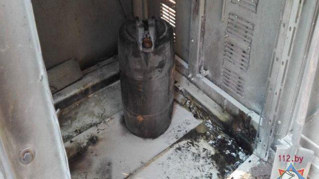 лесник переливал бензин и загорелся