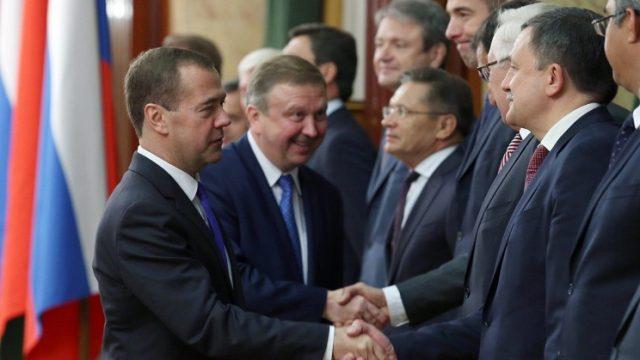 Медведев: России можно поучиться тому, как в Беларуси устроено сельское хозяйство