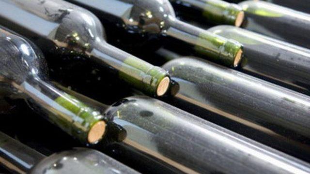 Гражданин России пытался незаконно провезти через белорусскую границу коллекционные вина