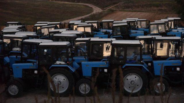 арест белорусских тракторов