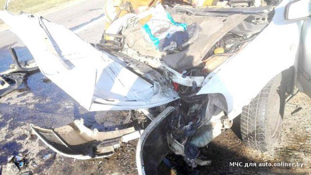 В Минском районе потребовалась помощь спасателей для извлечения водителя