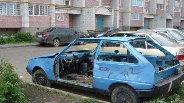 В Минске с начала года выявлено более 800 бесхозных автомобилей