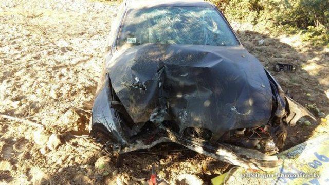 В Минском районе водитель BMW после столкновения с другим автомобилем вылетел в огород
